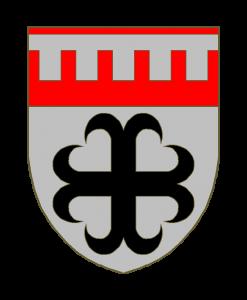 D'argent à la croix ancrée de sable au chef de gueules chargé d'un lambel à l'ancienne de cinq pendants d'argent