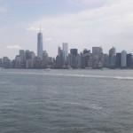 Blick auf New York von der Insel aus