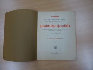 Die erste Seite der praktischen Heraldik